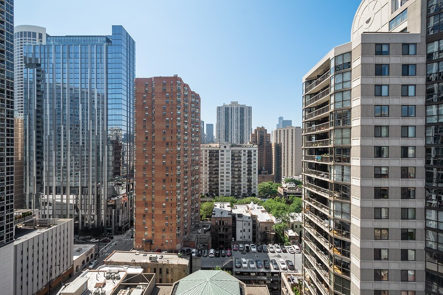 Real Estate Photography - 2 W. Delaware 1504, Chicago, IL, 60610 - View