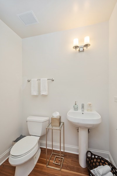 Real Estate Photography - 2 W. Delaware 1504, Chicago, IL, 60610 - Half Bath