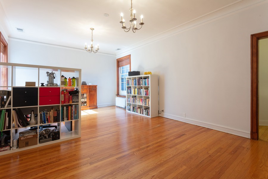 Real Estate Photography - 5749 S Kenwood, Unit 3, Chicago, IL, 60637 - Family Room