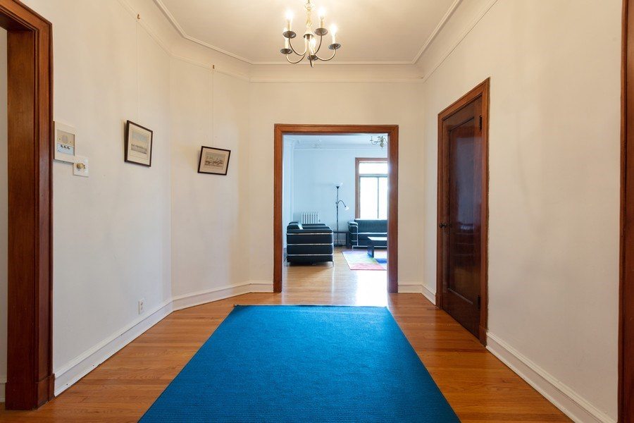 Real Estate Photography - 5749 S Kenwood, Unit 3, Chicago, IL, 60637 - Entryway