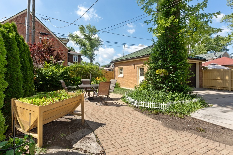 Real Estate Photography - 2209 W 103rd St, Chicago, IL, 60643 - Back Yard