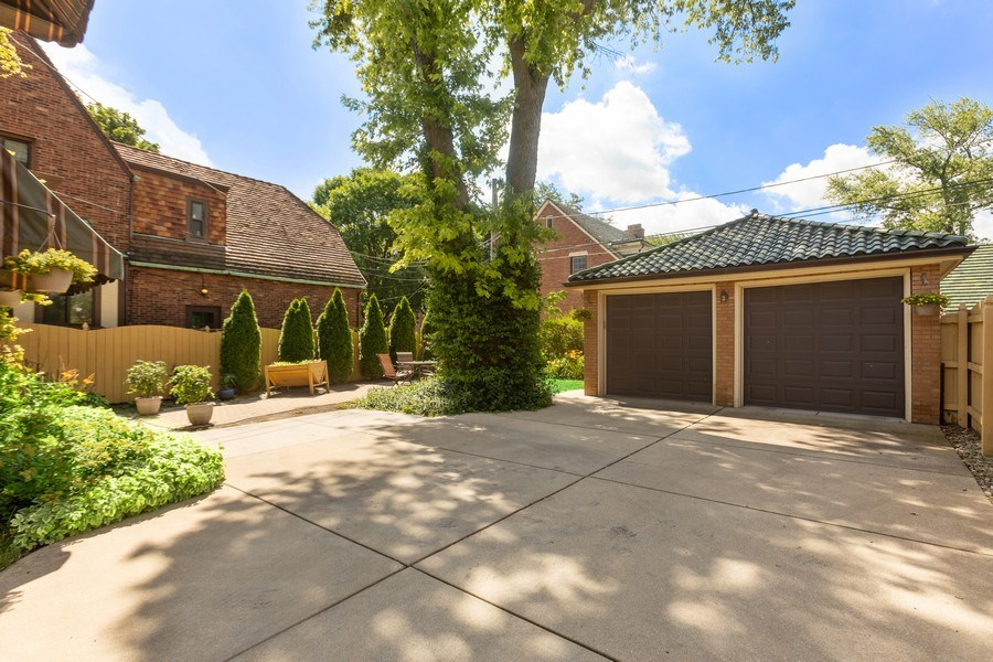Real Estate Photography - 2209 W 103rd St, Chicago, IL, 60643 - Garage