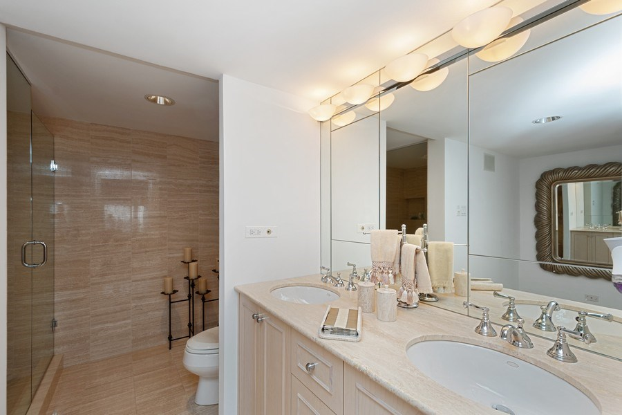 Real Estate Photography - 175 E DELAWARE PL, APT 7709-10, CHICAGO, IL, 60611 - Bathroom