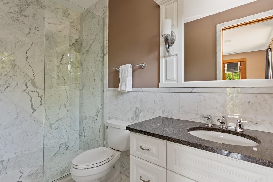Real Estate Photography - 11001 Marquette Drive, New Buffalo, MI, 49117 - 2nd Bedroom Suite Bath