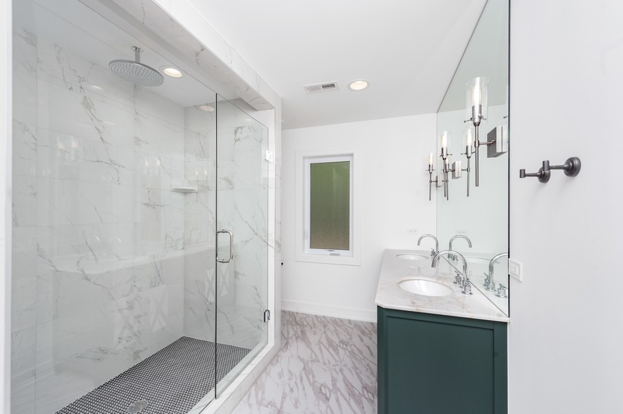 Real Estate Photography - 425 S Circle Ave, Port Barrington, IL, 60010 - Master Bathroom