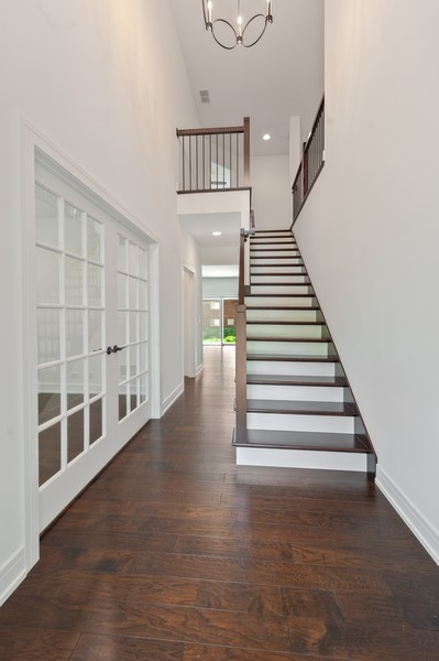 Real Estate Photography - 425 S Circle Ave, Port Barrington, IL, 60010 - Entryway