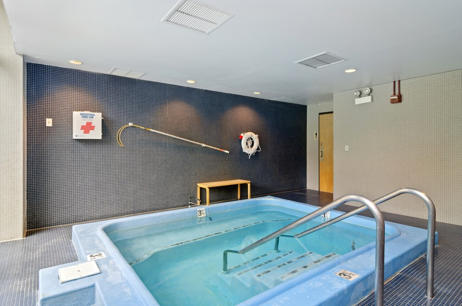 Real Estate Photography - 2020 N Lincoln Park West, Unit 14C, Chicago, IL, 60614 - Hot Tub