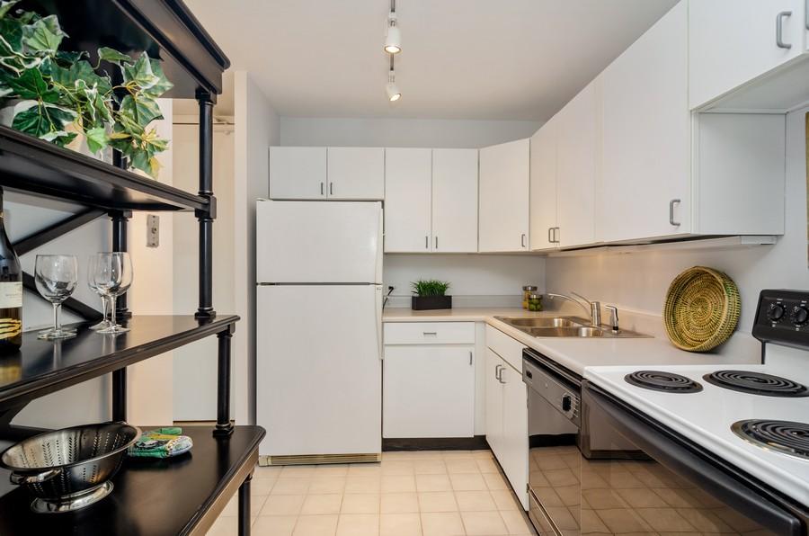 Real Estate Photography - 2020 N Lincoln Park West, Unit 14C, Chicago, IL, 60614 - Kitchen