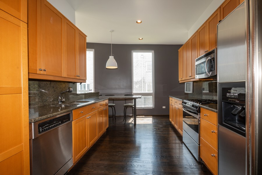 Real Estate Photography - 4339 S Oakenwald Ave., Chicago, IL, 60653 - Kitchen