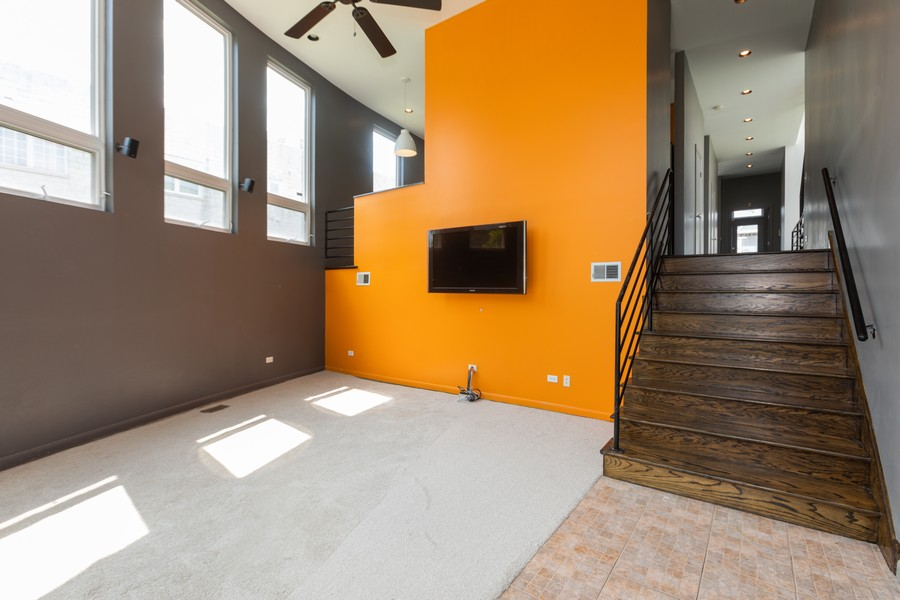 Real Estate Photography - 4339 S Oakenwald Ave., Chicago, IL, 60653 - Family Room