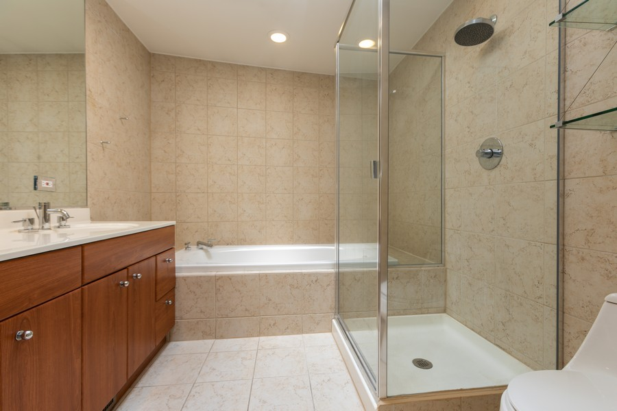 Real Estate Photography - 4339 S Oakenwald Ave., Chicago, IL, 60653 - 2nd Bathroom