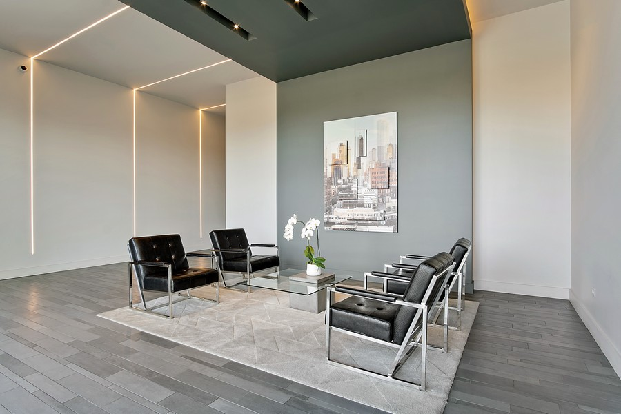 Real Estate Photography - 367 W Locust St, Unit 504, Chicago, IL, 60610 - Lobby