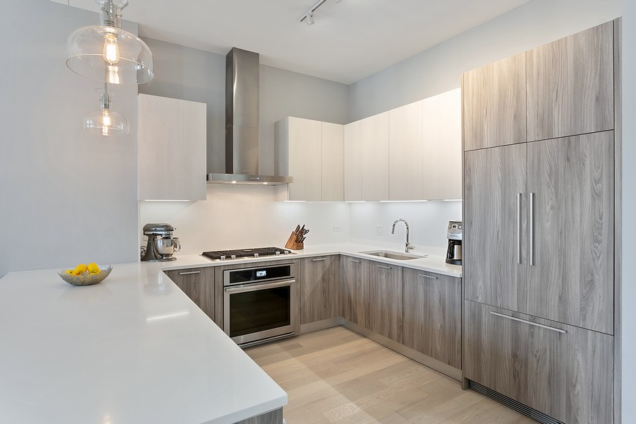 Real Estate Photography - 367 W Locust St, Unit 504, Chicago, IL, 60610 - Kitchen