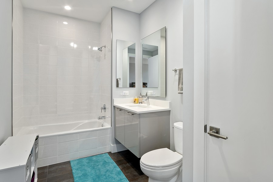 Real Estate Photography - 367 W Locust St, Unit 504, Chicago, IL, 60610 - Bathroom