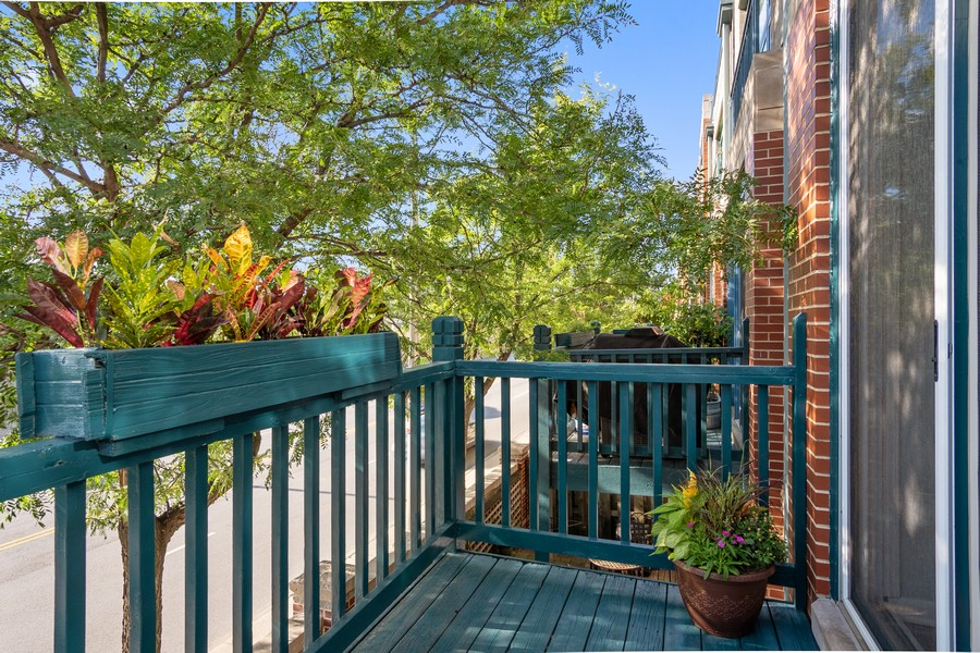 Real Estate Photography - 1349 S. Clark, Chicago, IL, 60618 - Balcony