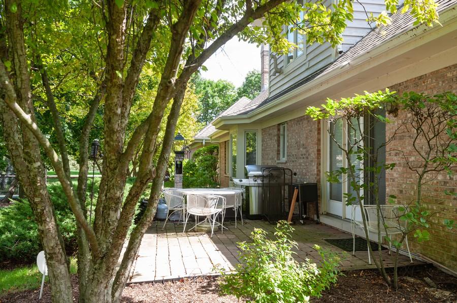 Real Estate Photography - 363 Rivershire Ct, Lincolnshire, IL, 60069 - Patio