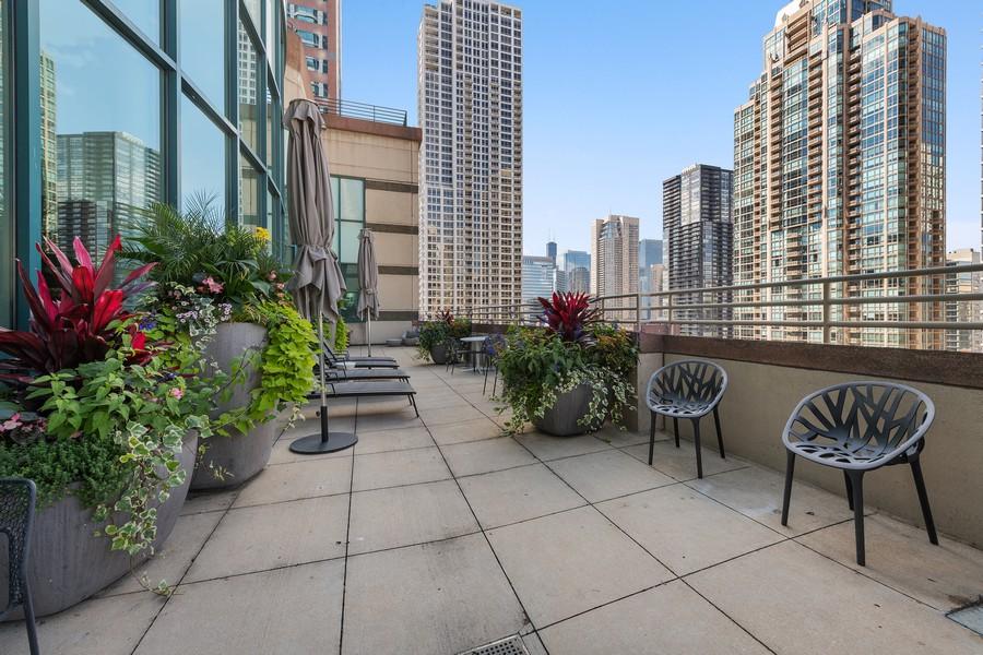 Real Estate Photography - 100 E Huron, 3702, Chicago, IL, 60611 - Terrace