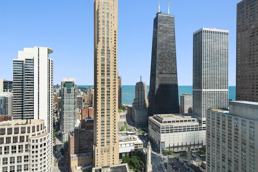 Real Estate Photography - 100 E Huron, 3702, Chicago, IL, 60611 - City View