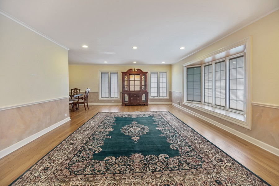 Real Estate Photography - 2316 Sumac Circle, Glenview, IL, 60025 - Living Room