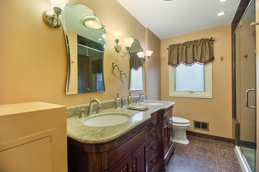 Real Estate Photography - 2316 Sumac Circle, Glenview, IL, 60025 - Bathroom