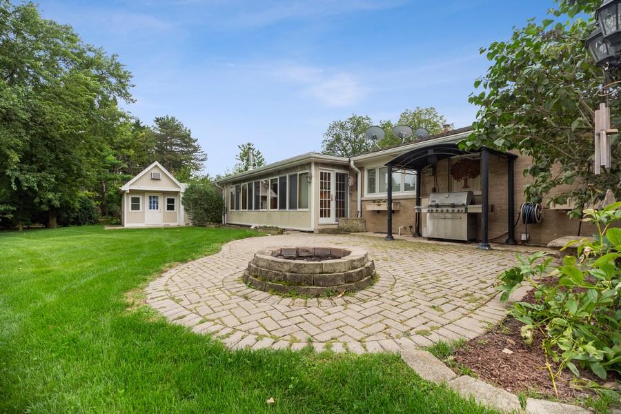 Real Estate Photography - 2316 Sumac Circle, Glenview, IL, 60025 - Patio