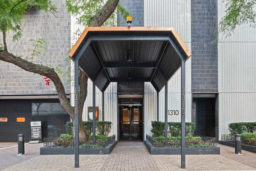 Real Estate Photography - 1310 Ritchie Court, 10B, Chicago, IL, 60610 -