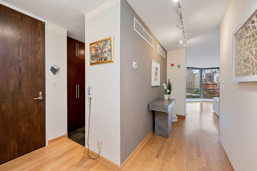Real Estate Photography - 1310 Ritchie Court, 10B, Chicago, IL, 60610 - Foyer