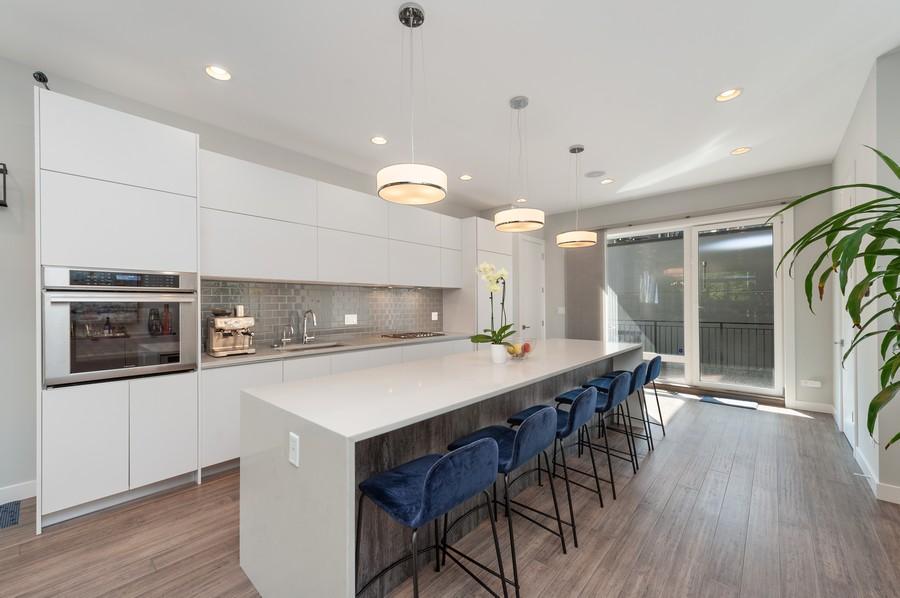 Real Estate Photography - 1441 W. Blackhawk #1E, Chicago, IL, 60642 - Kitchen