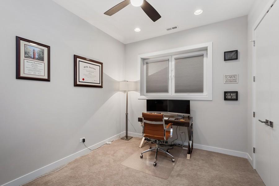 Real Estate Photography - 1441 W. Blackhawk #1E, Chicago, IL, 60642 - Office