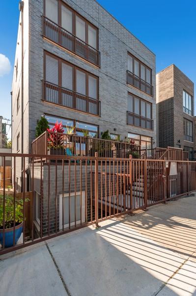 Real Estate Photography - 1441 W. Blackhawk #1E, Chicago, IL, 60642 - Front View