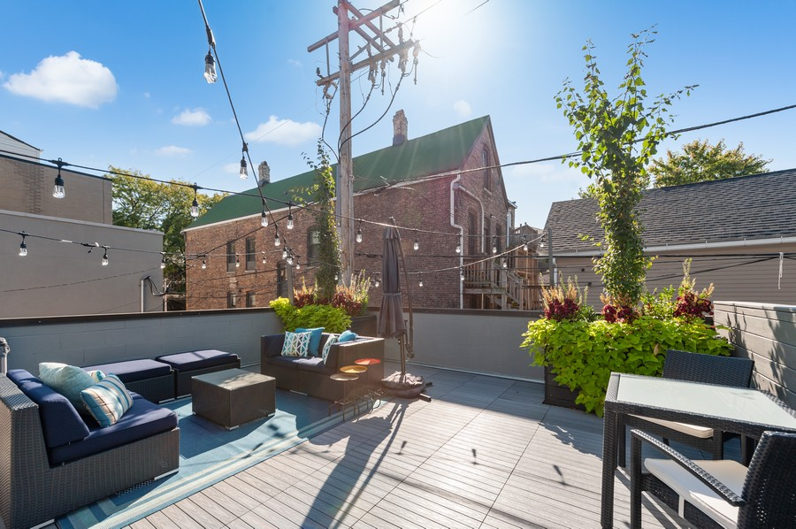 Real Estate Photography - 1441 W. Blackhawk #1E, Chicago, IL, 60642 - Deck
