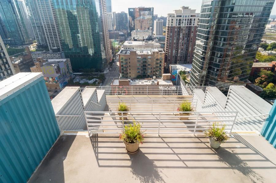 Real Estate Photography - 40 E 9th St., 1414, Chicago, IL, 60605 - Terrace 2