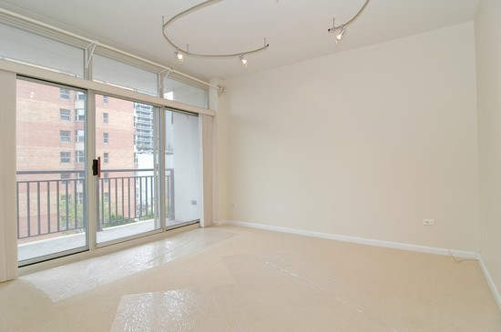 Real Estate Photography - 21 W Chestnut St, Unit 607, Chicago, IL, 60610 - Living Room