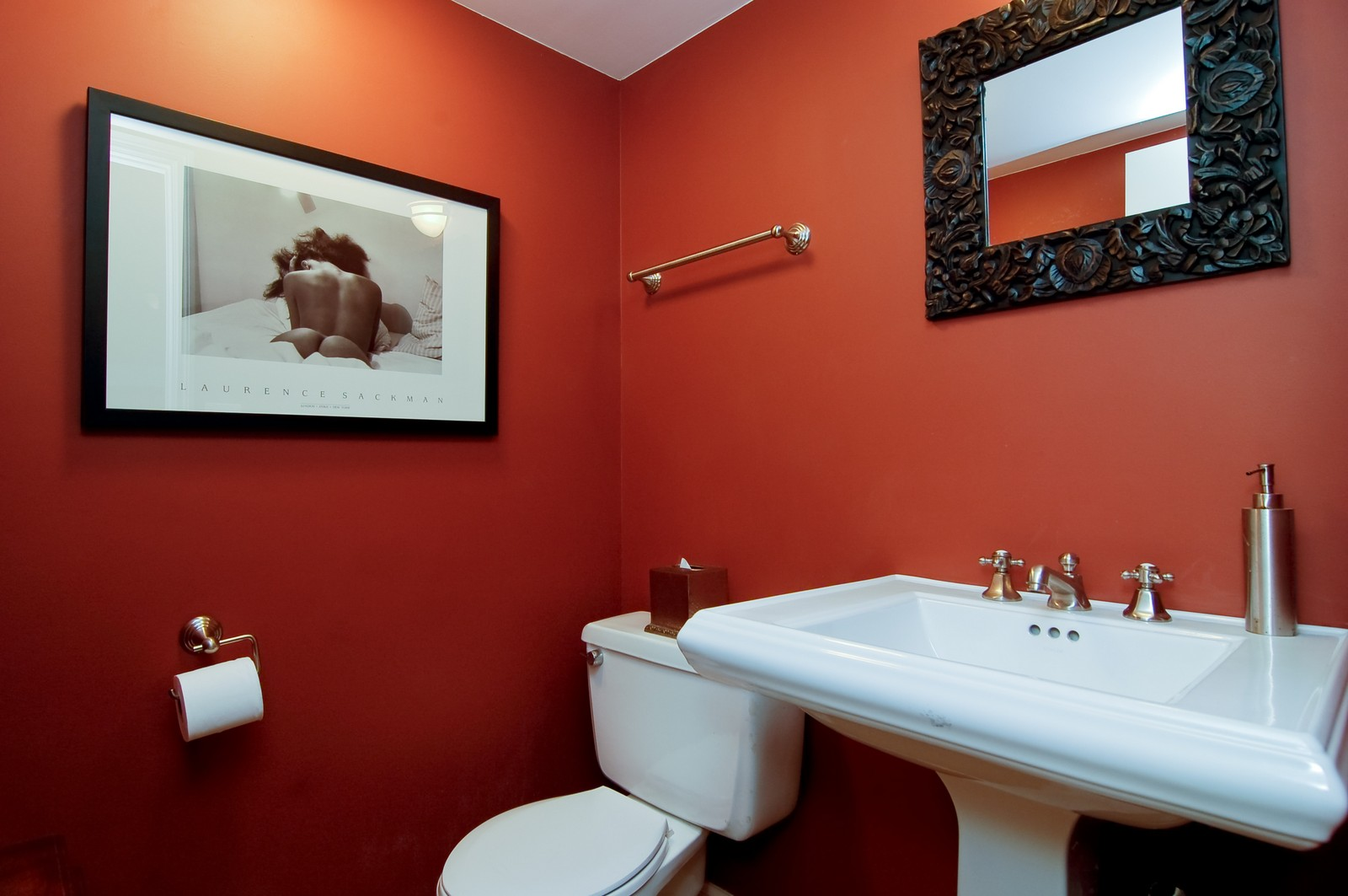 Real Estate Photography - 826 W Wolfram St, Chicago, IL, 60657 - Half Bath