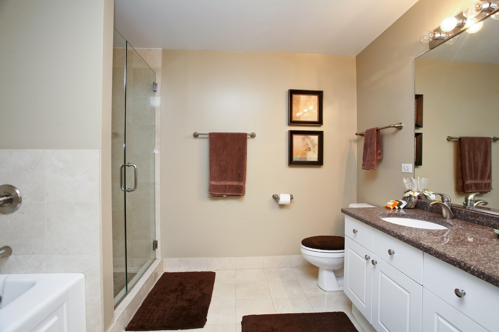 Real Estate Photography - 21 W Chestnut, Unit 809, Chicago, IL, 60610 - Master Bathroom