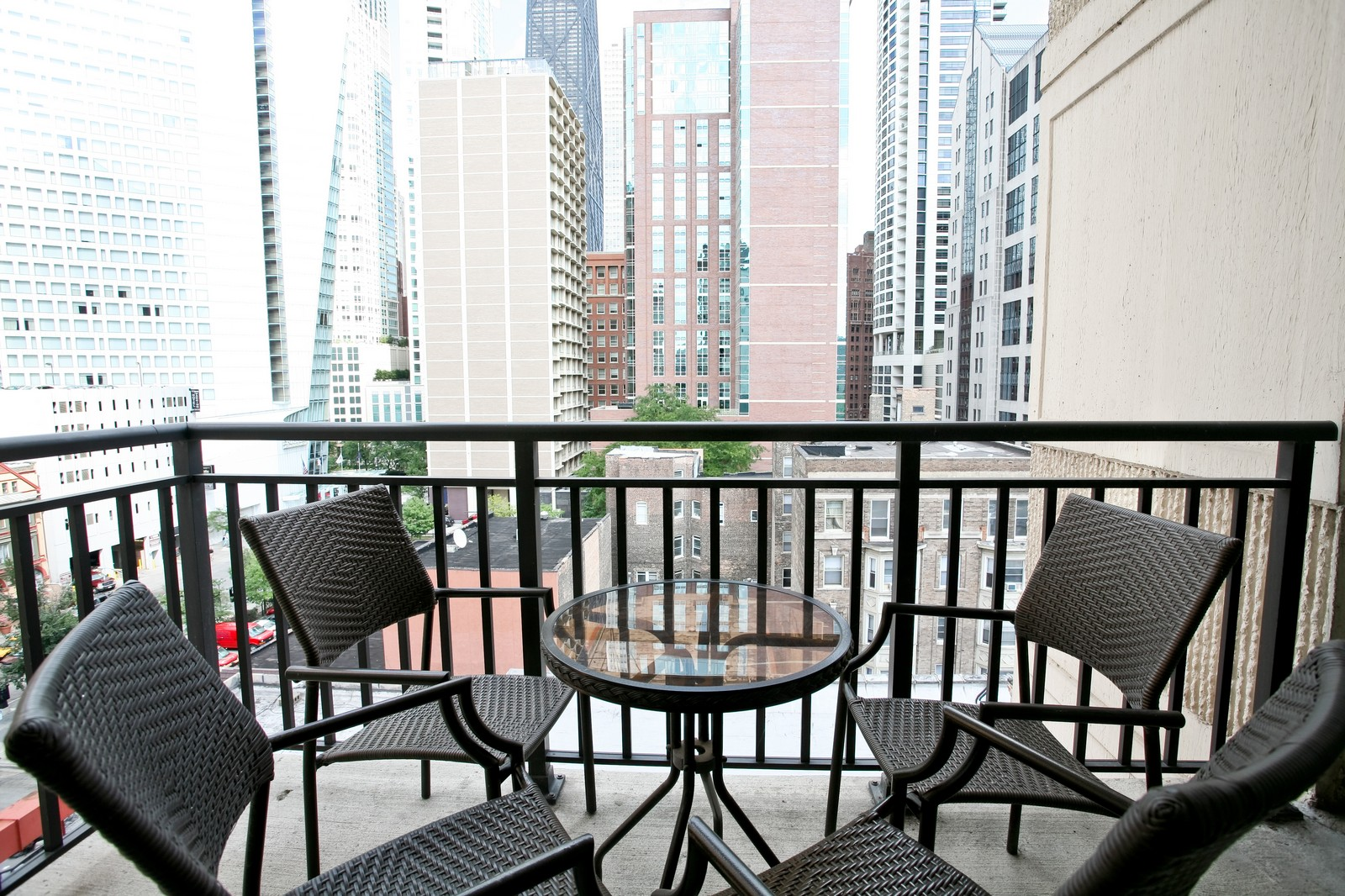 Real Estate Photography - 21 W Chestnut, Unit 809, Chicago, IL, 60610 - Deck