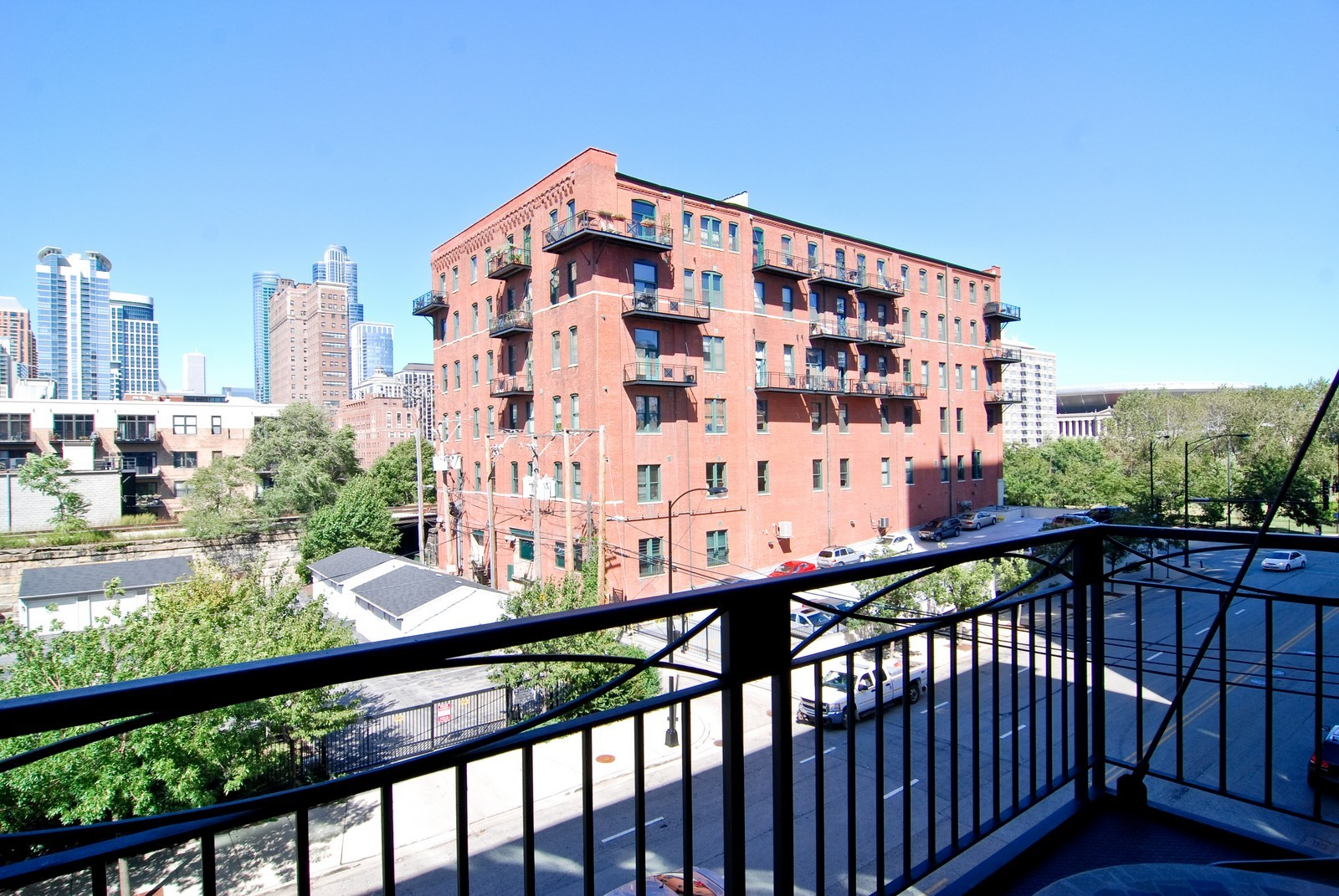 Real Estate Photography - 1601 S Michigan, Unit 305, Chicago, IL, 60616 - Location 1