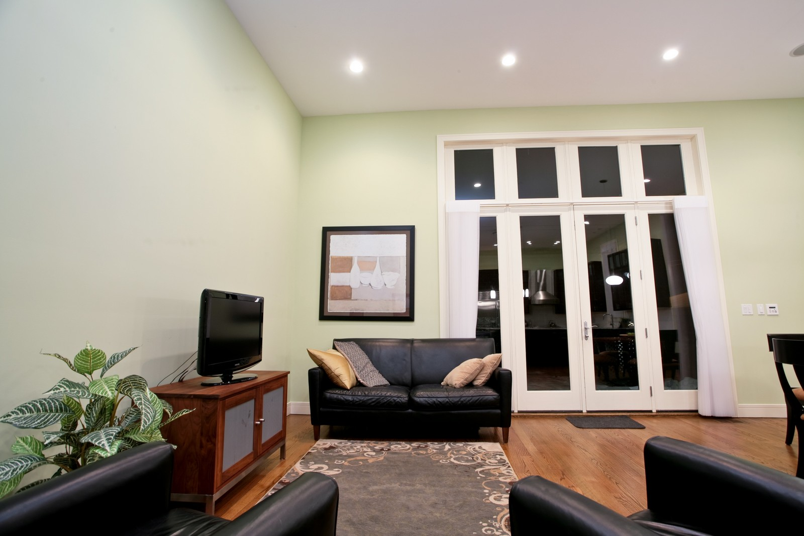 Real Estate Photography - 2340 W Ohio, Chicago, IL, 60612 - Family Room