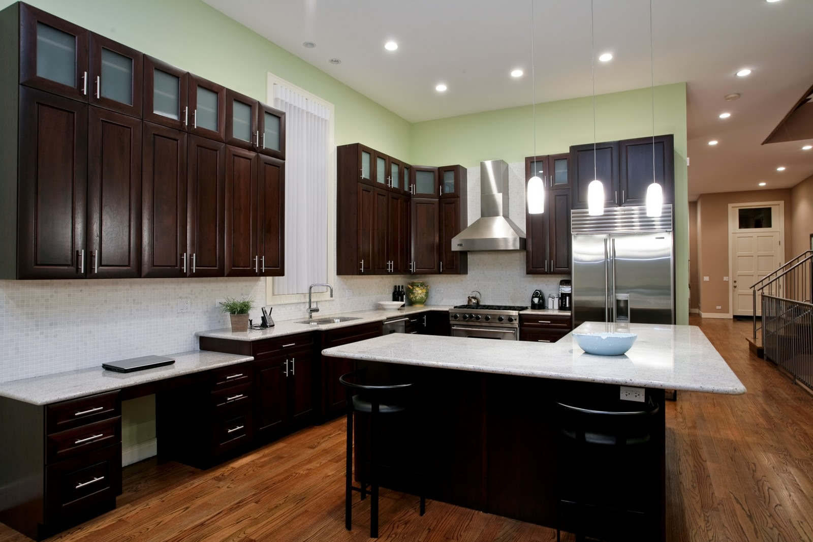 Real Estate Photography - 2340 W Ohio, Chicago, IL, 60612 - Kitchen