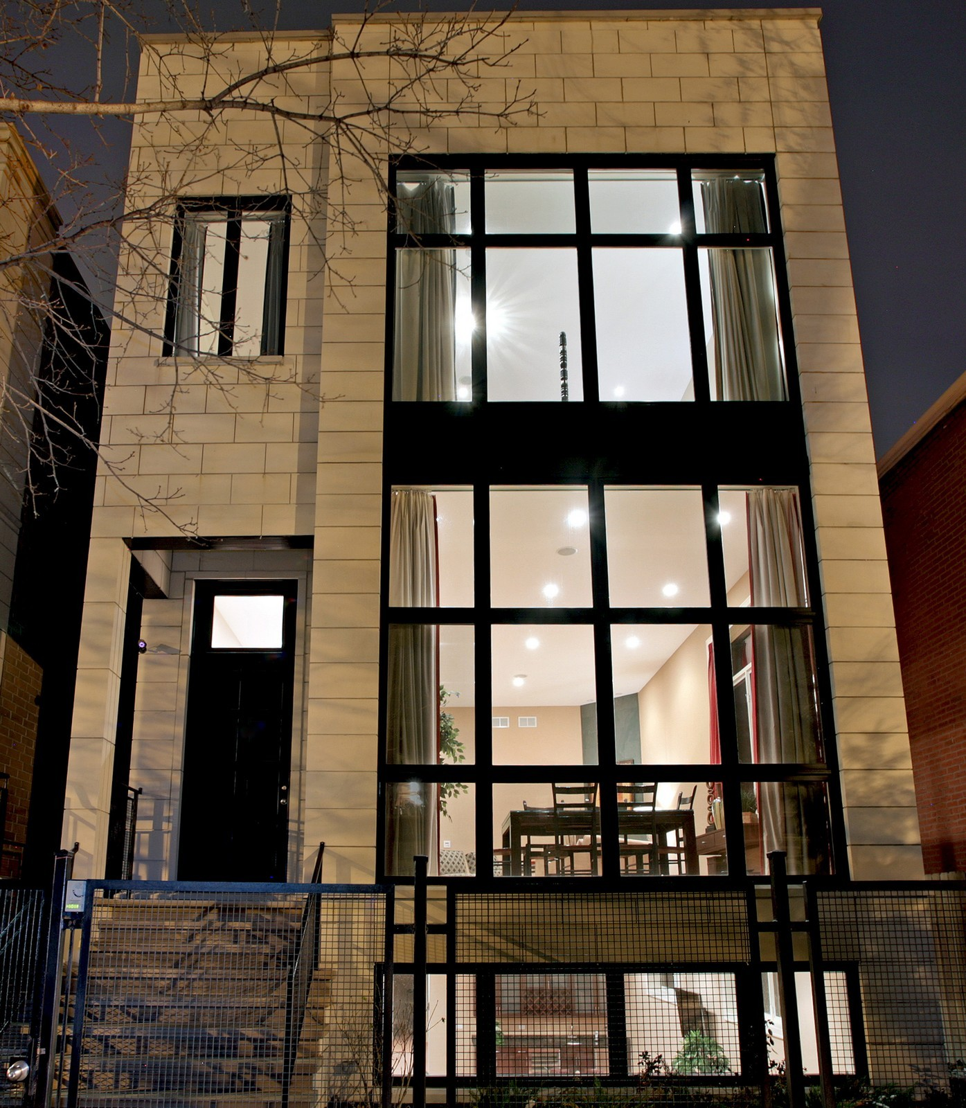 Real Estate Photography - 2340 W Ohio, Chicago, IL, 60612 - Front View