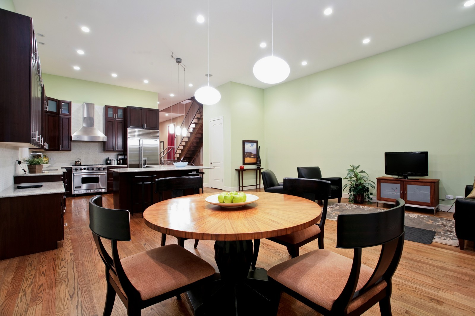 Real Estate Photography - 2340 W Ohio, Chicago, IL, 60612 - Breakfast Nook