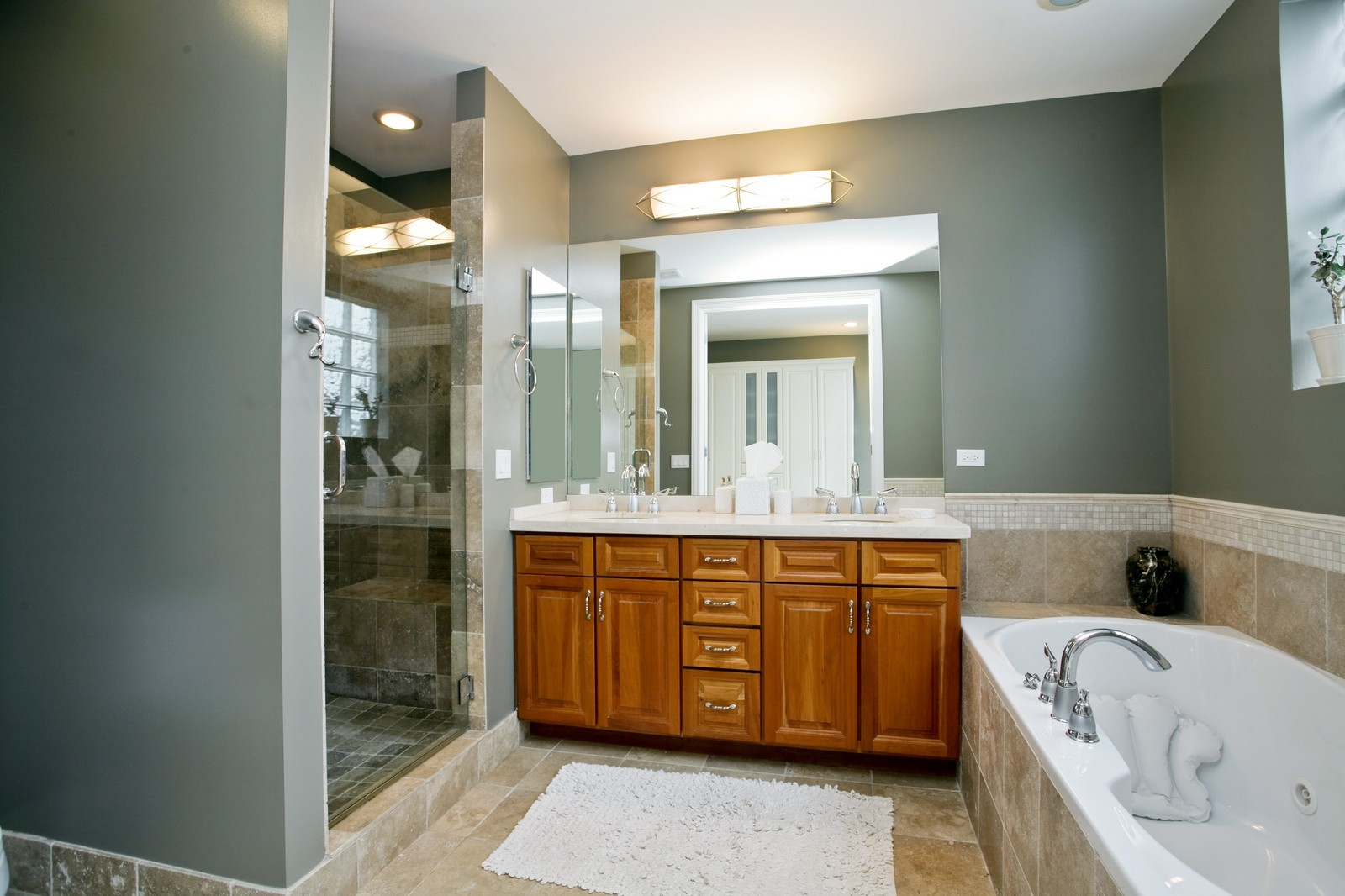 Real Estate Photography - 942 W Hubbard, Chicago, IL, 60622 - Master Bathroom