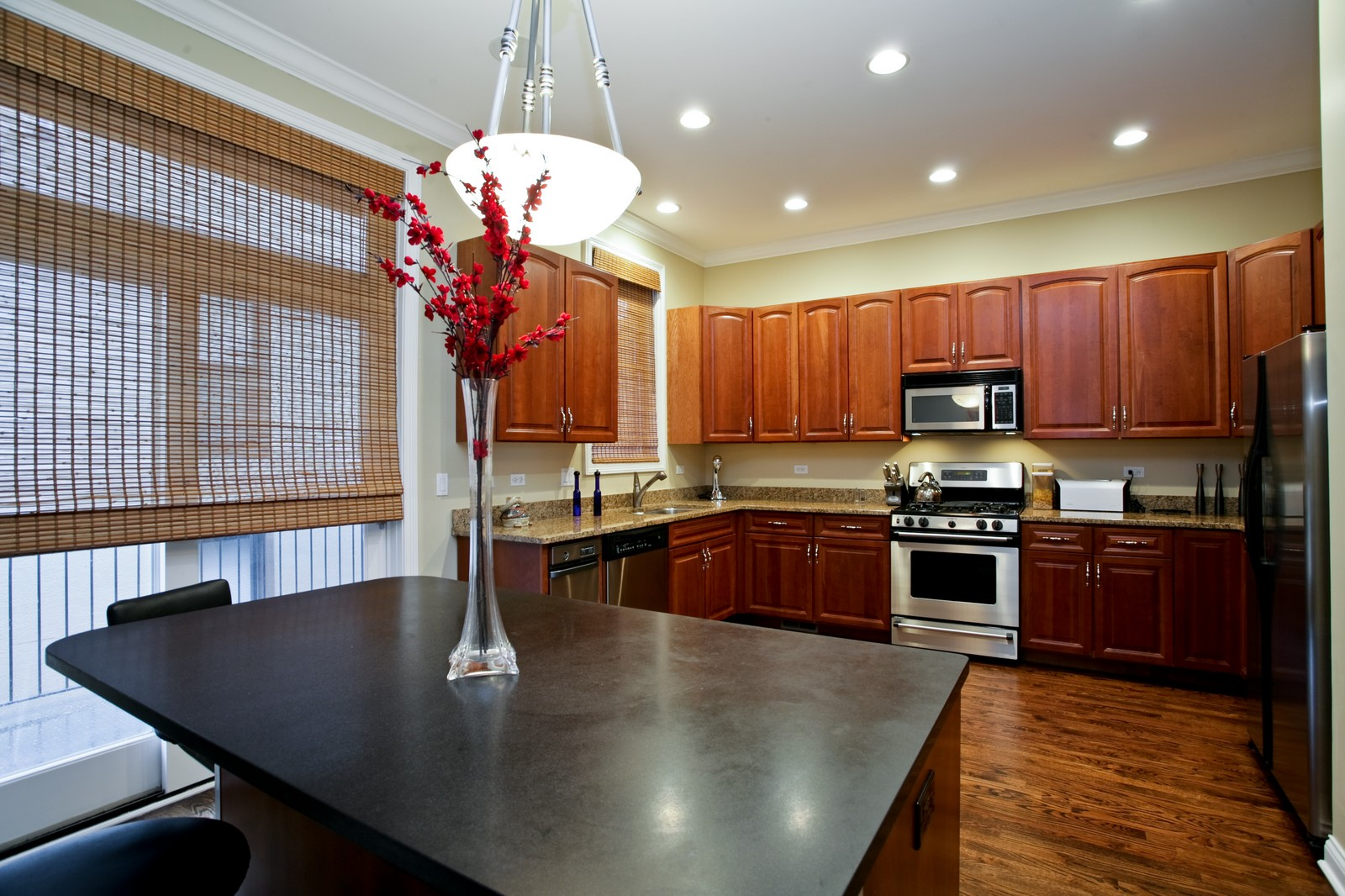 Real Estate Photography - 942 W Hubbard, Chicago, IL, 60622 - Kitchen