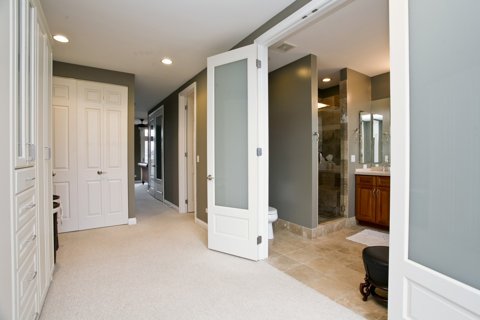 Real Estate Photography - 942 W Hubbard, Chicago, IL, 60622 - Dressing Area