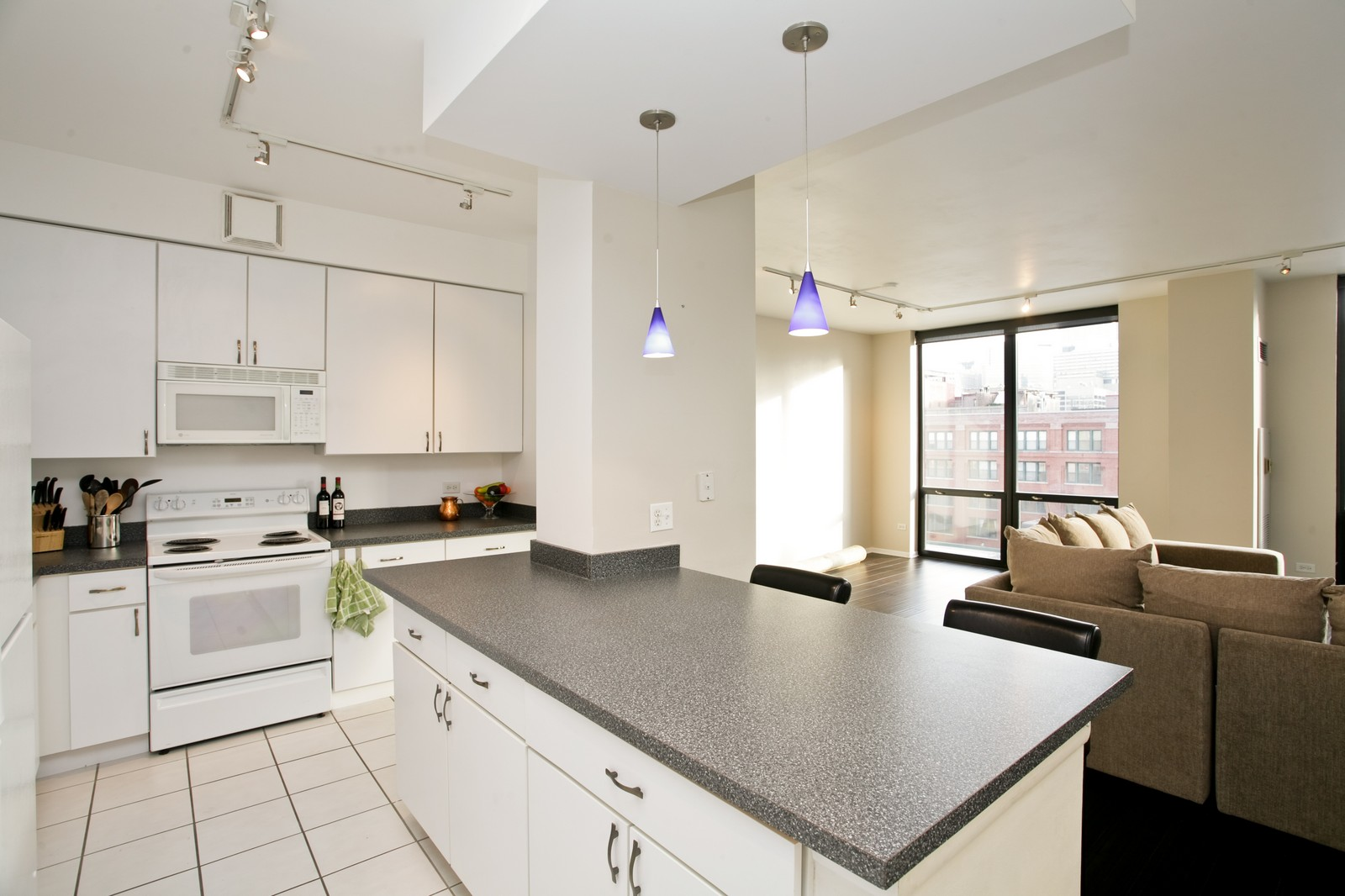 Real Estate Photography - 435 W Erie, Unit 807, Chicago, IL, 60654 - Kitchen