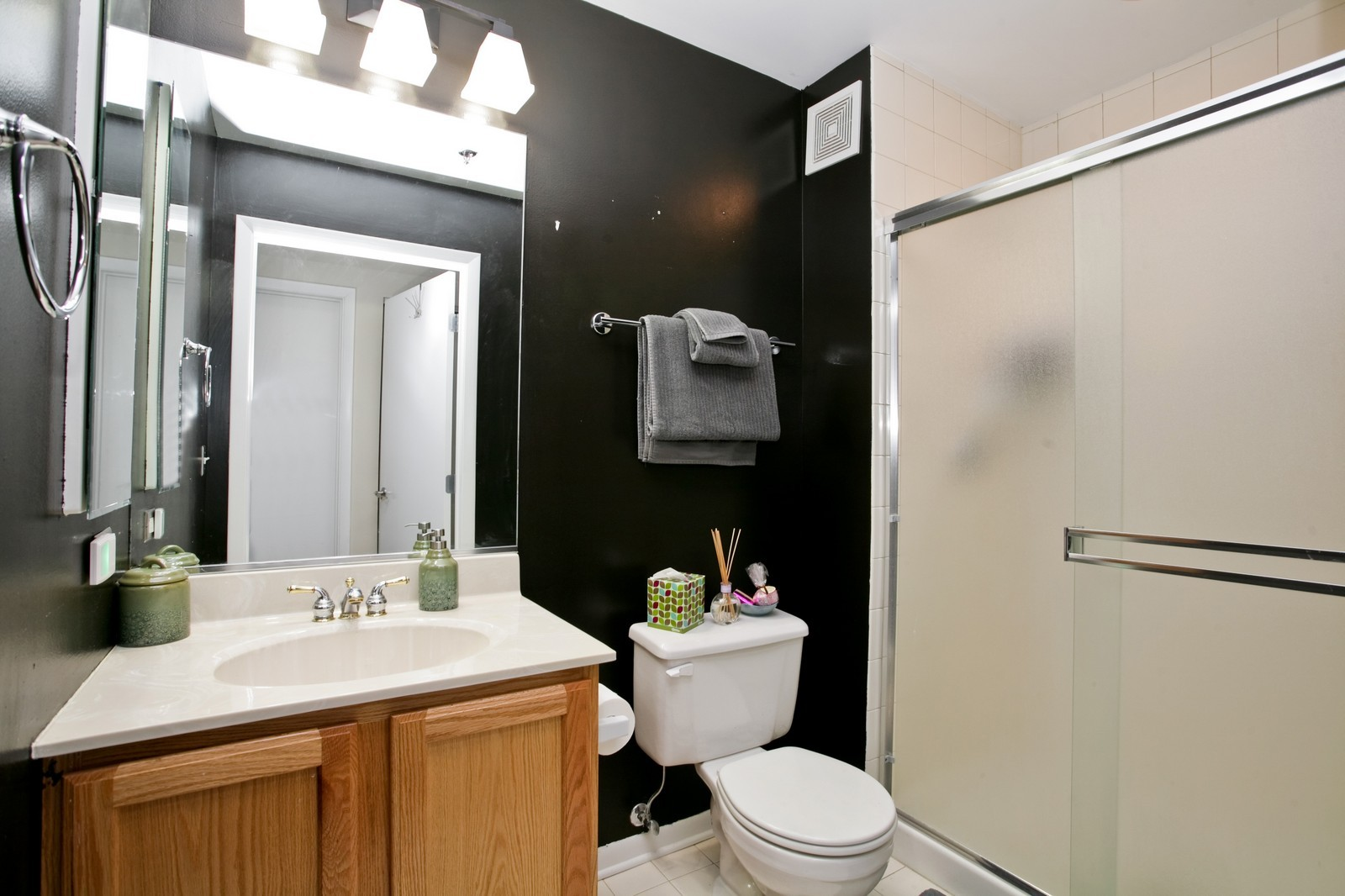 Real Estate Photography - 435 W Erie, Unit 807, Chicago, IL, 60654 - Bathroom