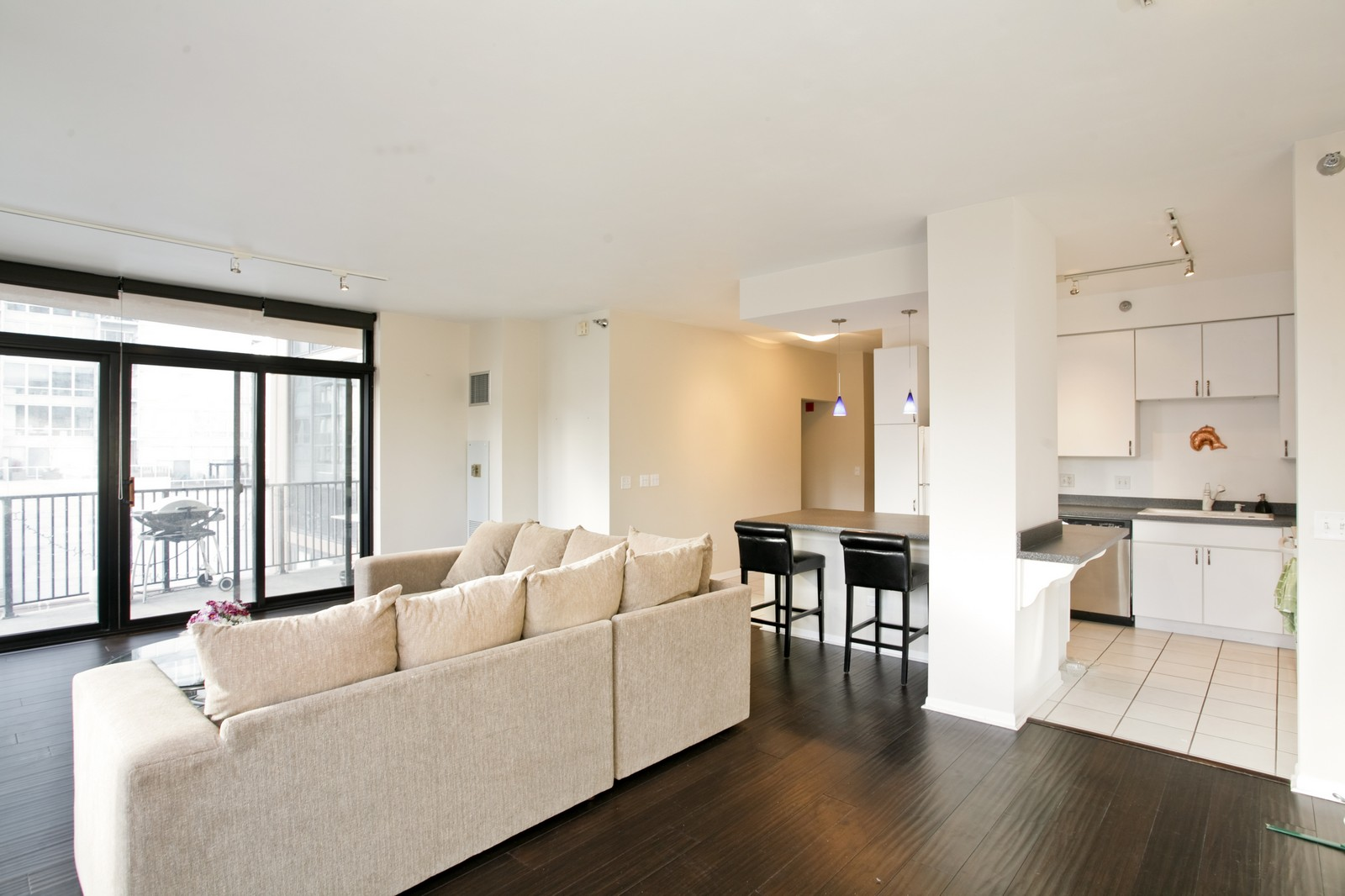 Real Estate Photography - 435 W Erie, Unit 807, Chicago, IL, 60654 - Kitchen / Living Room