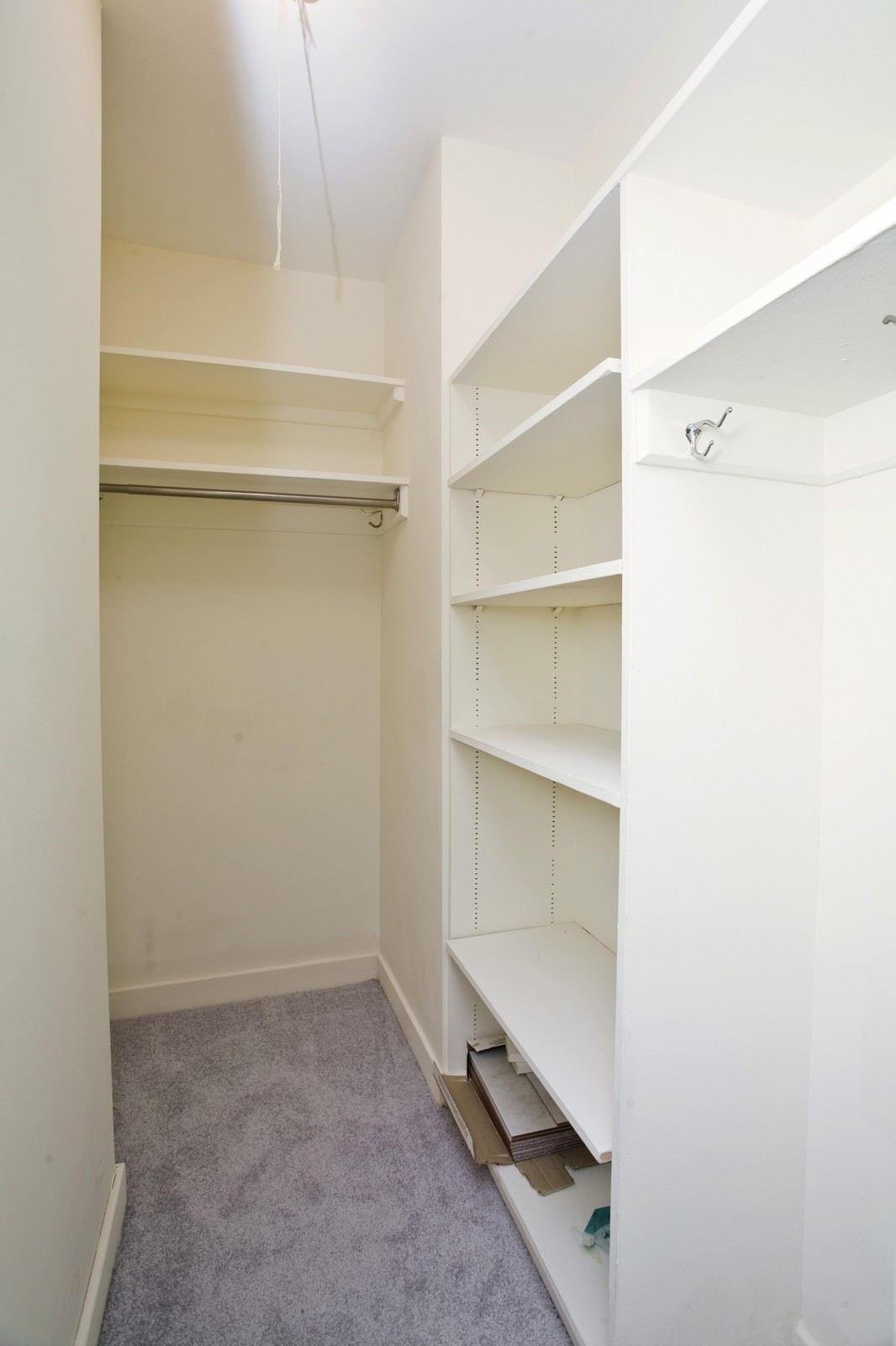 Real Estate Photography - 253 E Delaware, Apt 10F, Chicago, IL, 60611 - Closet