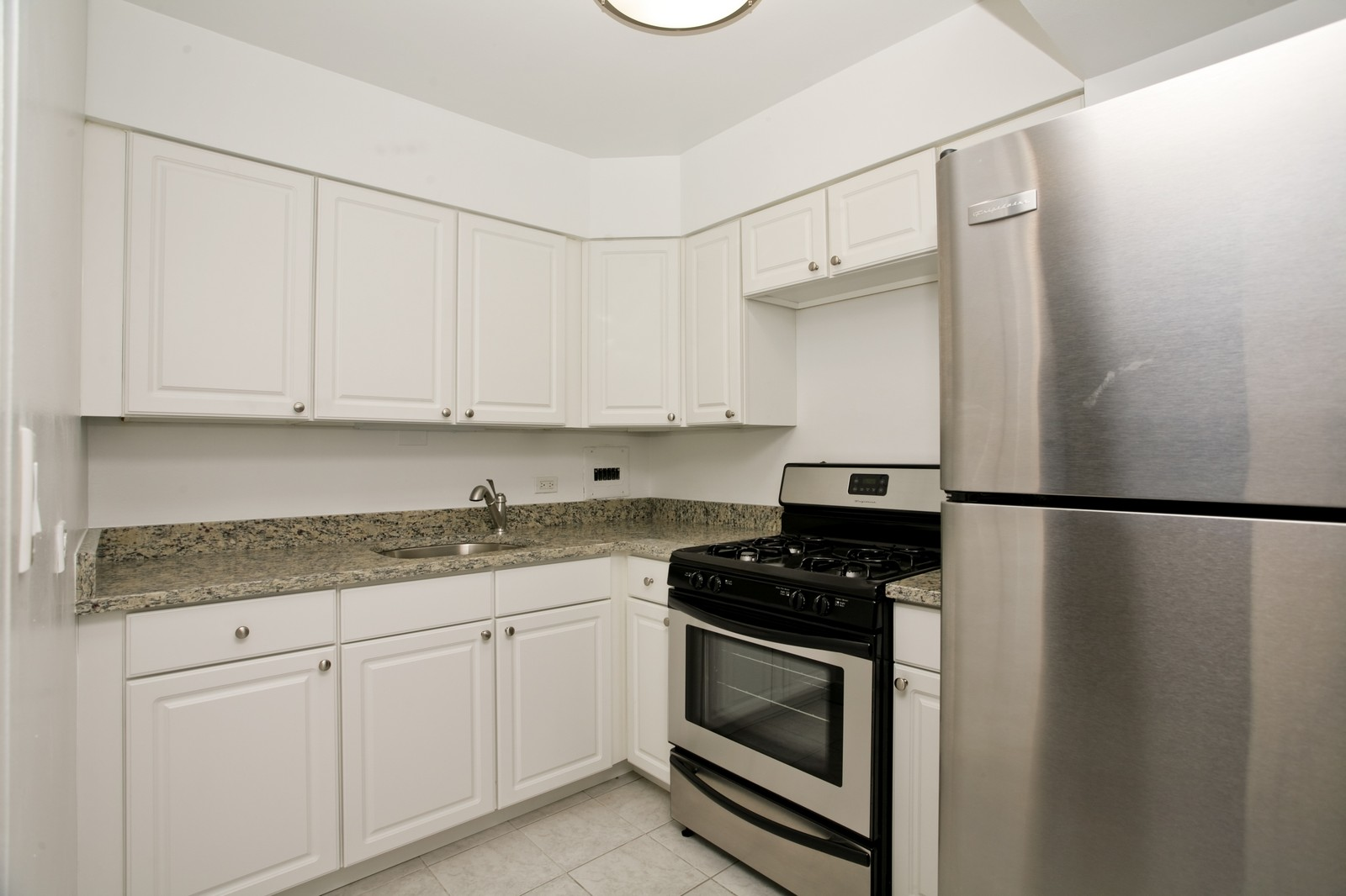 Real Estate Photography - 253 E Delaware, Apt 10F, Chicago, IL, 60611 - Kitchen