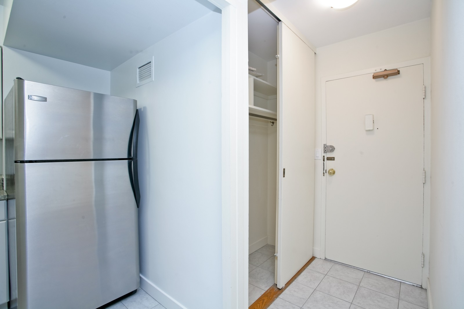 Real Estate Photography - 253 E Delaware, Apt 10F, Chicago, IL, 60611 - Entryway
